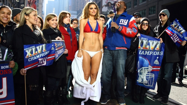 """Extra"" Host Maria Menounos Honors Super Bowl Bet in Tiny Bikini"