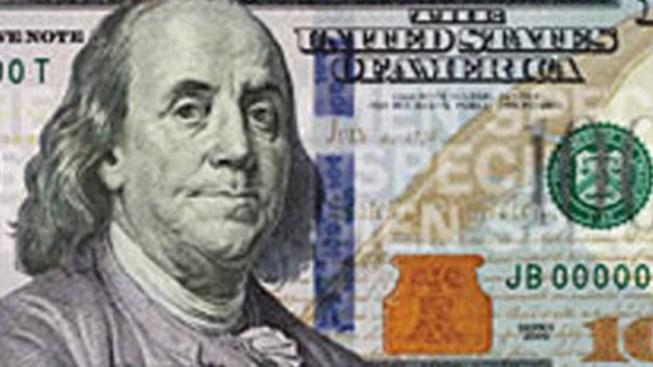 Baggage Handler Steals $20K in Bills Headed to Federal Reserve: Officials