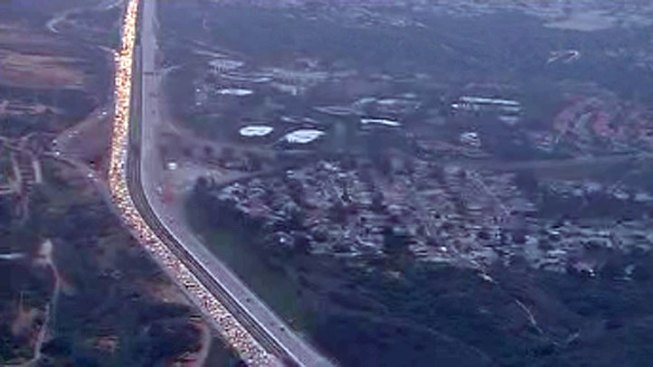 2 Accidents Slow Commute on I-805 Northbound