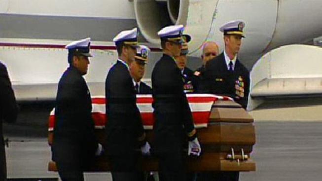 Lt. Killed in IED Explosion Laid to Rest