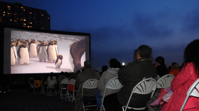 Outdoor Theaters Spice Up Summer