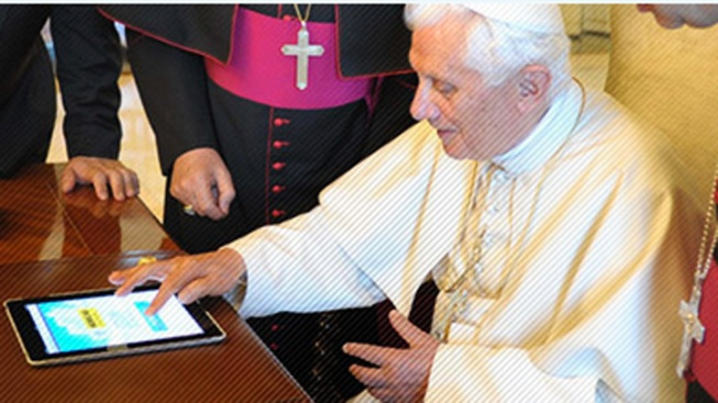 The Pope Tweets for First Time