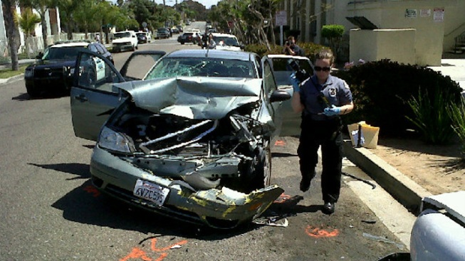 Police Investigate Car Crash in Oceanside