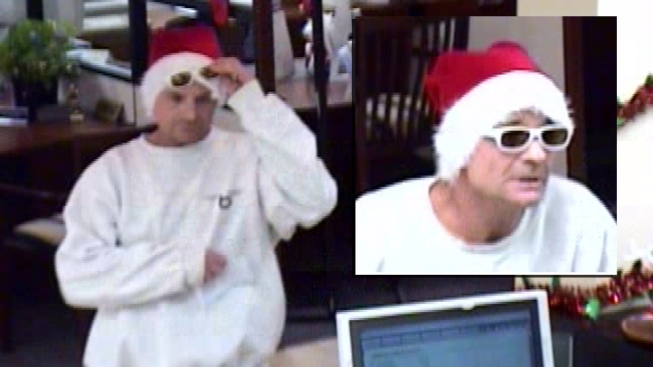 Man Robs Encinitas Bank Dressed in Santa Hat