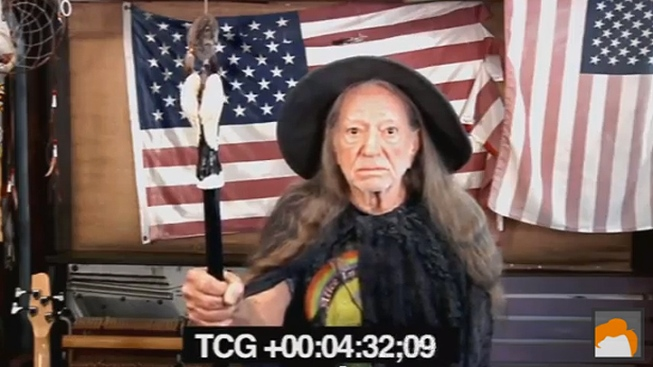 """WATCH: Willie Nelson's """"Hobbit"""" Audition Revealed by """"Conan"""""""