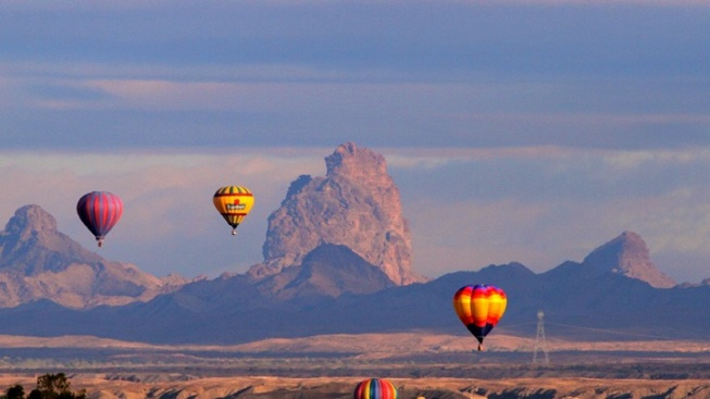 Gaze Up: Colorado River Crossing Balloon Fest