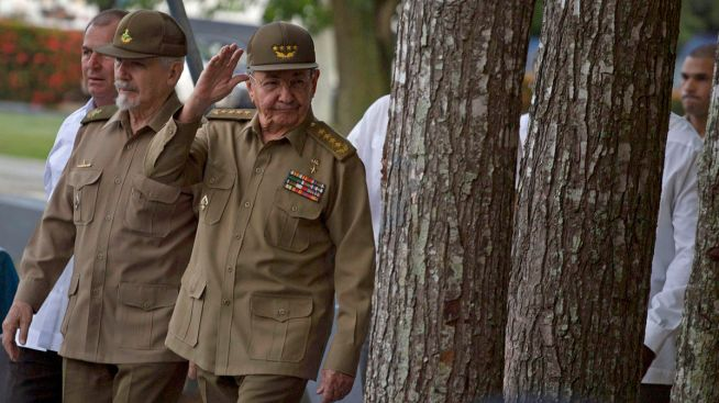 Cubans fear Trump to reverse opening, army drills announced