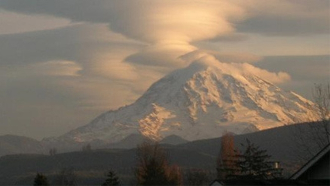 Elite Team Searches for Local Missing on Mt. Rainier