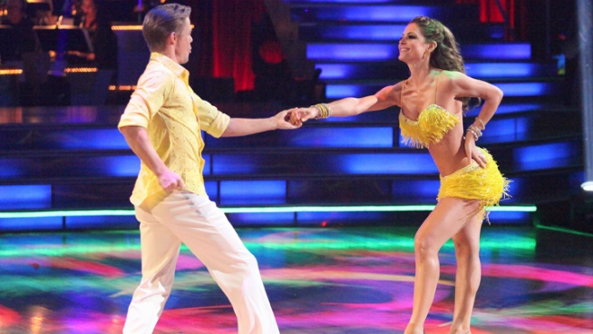 "Maria Menounos Shakes Up ""DWTS"" Leaderboard"