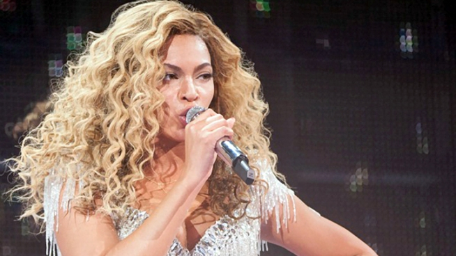 Beyoncé Writes Tribute to Michael Jackson