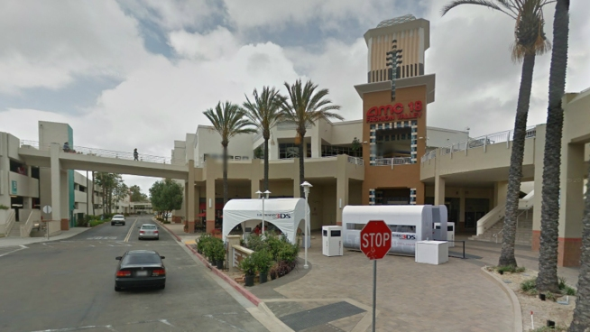 Fashion valley mall closed after attempted robbery nbc 7 for Fashion valley jewelry stores