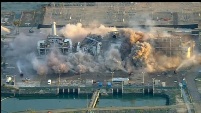 Watch the implosion of the Chula Vista power plant on Saturday Feb. 2, 2013. <a href=