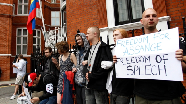 U.K. Refuses WikiLeaks Founder Safe Passage