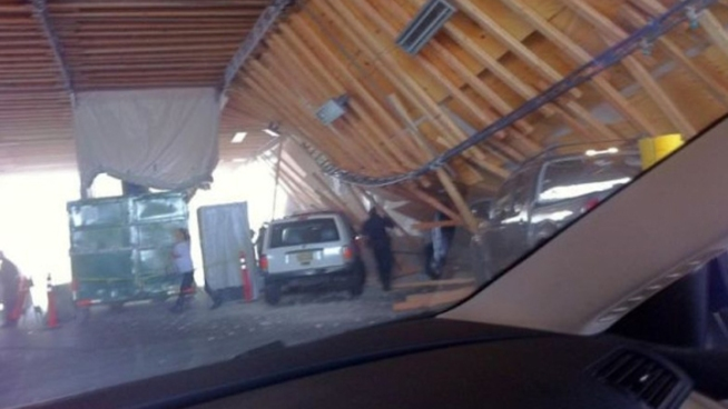 Roof Collapse Traps Multiple Cars