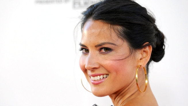 Olivia Munn explains how she manages to keep up with Aaron Sorkin's fast-paced dialogue on