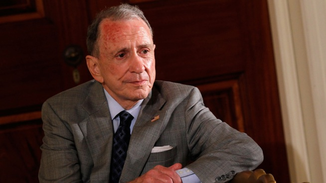 Former Senator and District Attorney Arlen Specter released a statement on Tuesday stating that he is battling cancer again. Specter battled non-Hodgkin s lymphoma in 2005 and was treated for cancer again in 2008. NBC10's Lu Ann Cahn reports.