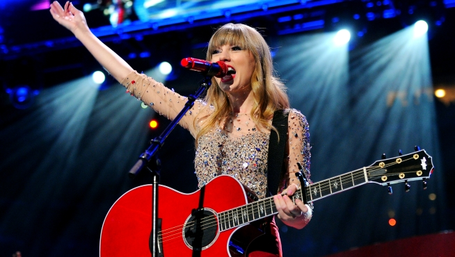 Taylor Swift Named Top Charitable Celeb