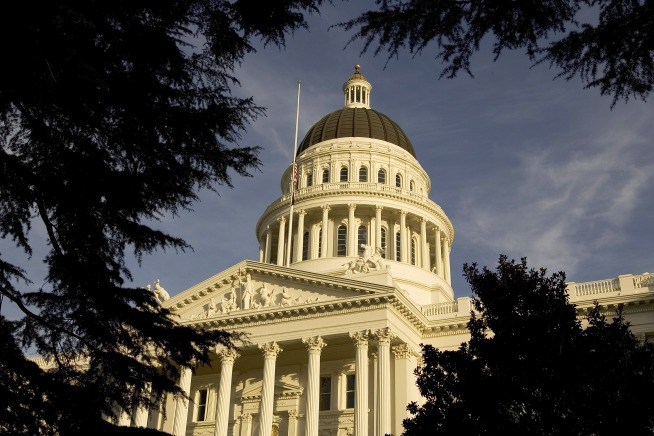 California Lawmakers Pass Budget