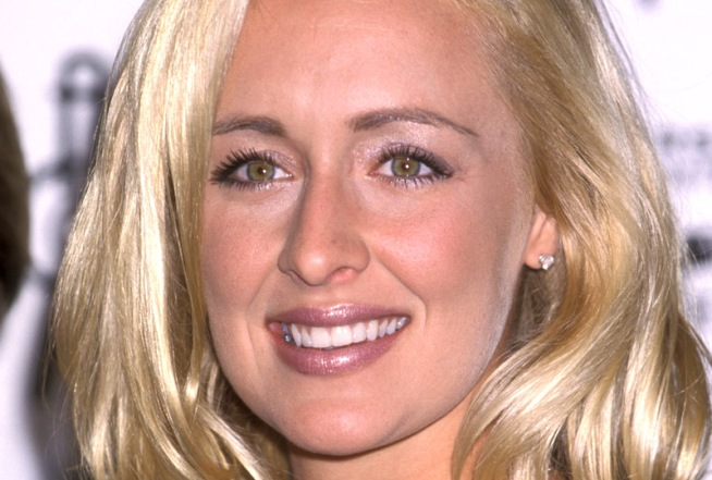 "Mindy McCready Defends ""Celebrity Rehab"" Roomie Mackenzie Phillips"