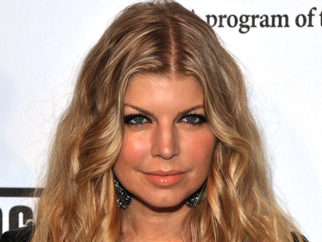 Fergie: I Can't Hook Up With Girls Any More
