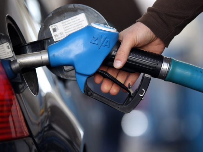 Gas Tax Drops, Prices Stay the Same