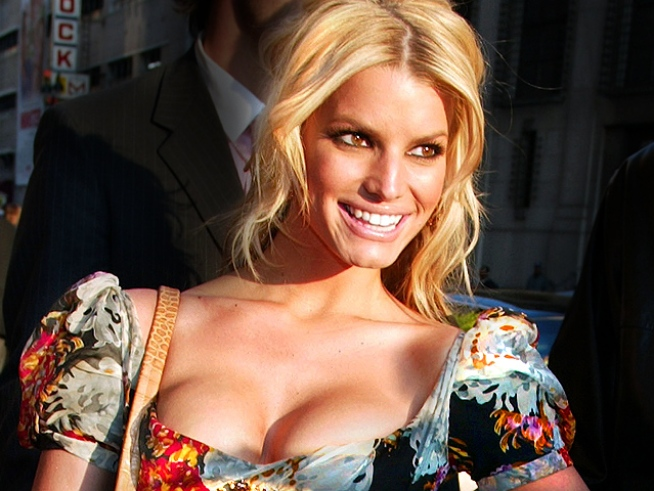 "Jessica Simpson on Her Love Life: ""I Have Some Situations I'm Feeling Out"""