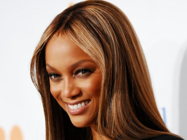 Tyra Banks Waving Goodbye To Her Weave