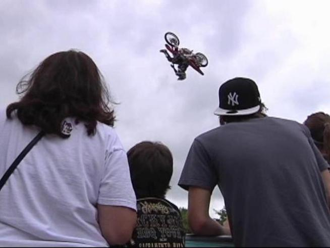 Freestyle motocross star <a title=