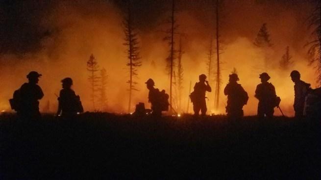 Photos: Hill Fire Burns Thousands of Acres Amid Santa Ana Winds
