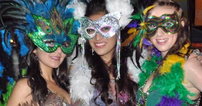 Gaslamp Mardi Gras 2012 Images