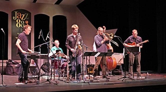 Kronomorfic Livens Jazz Live