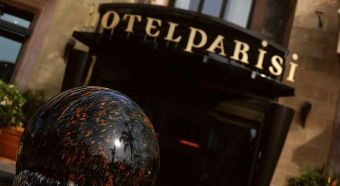 Hotel Parisi Turns 10