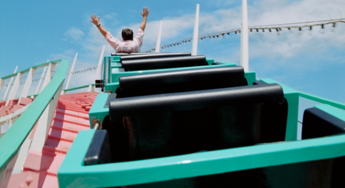 Theme Parks Turn Aging Coasters Into New Thrill Rides