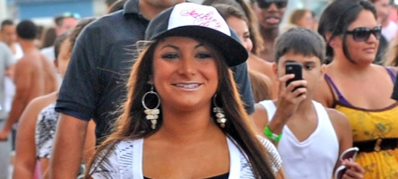 "Deena from ""Jersey Shore"" gets 2-Year Ban From Bar"