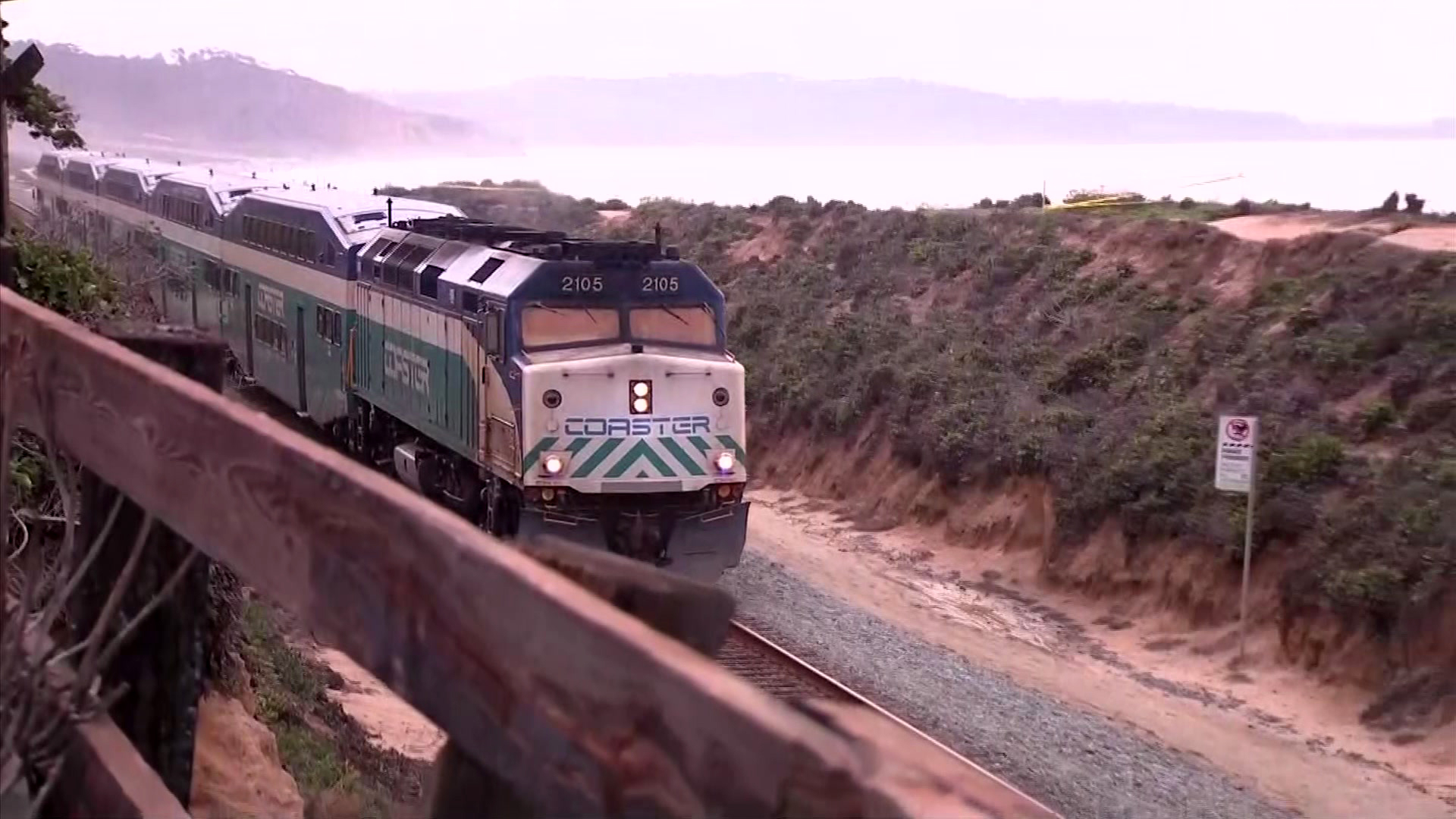 Coaster Service Resumes in Del Mar After Nearby Cliff Collapse