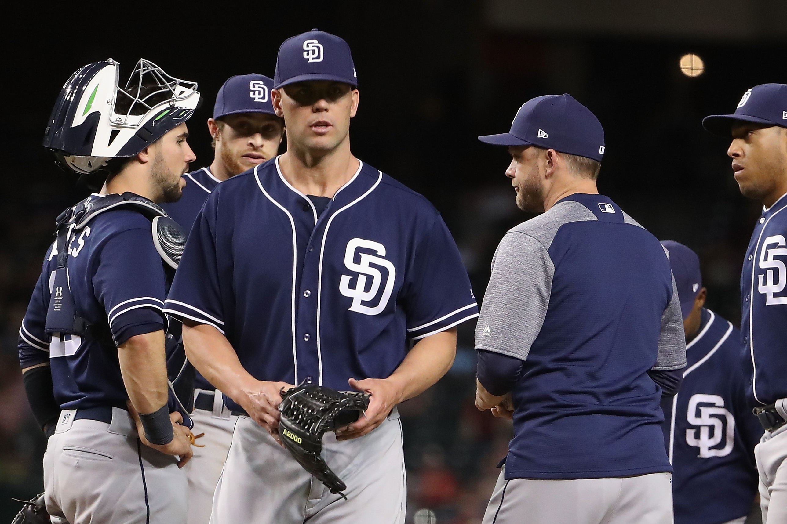 PHOENIX, AZ - APRIL 25: Starting pitcher Clayton Richard #3 (second from left) of the San Diego Padres is removed by manager Andy Green #14 during the fourth inning of the MLB game at Chase Field on April 25, 2017 in Phoenix, Arizona. (Photo by Christian Petersen/Getty Images)