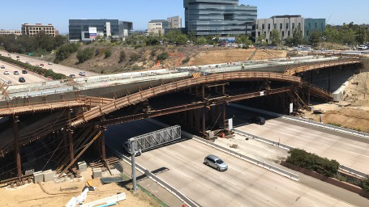 Construction of the bridge as of April 2018.