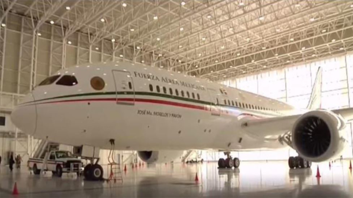 Mexico's presidential plane has arrived to California and is looking for a new owner.