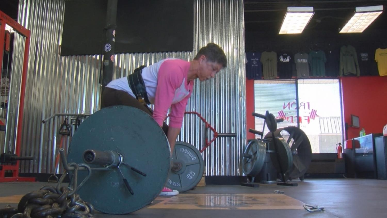 'Granny Hulk': 69-Year-Old Woman Sets Weightlifting Record