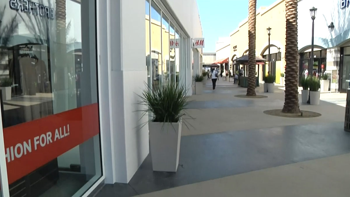 Samples and savings are offered this weekend at the Outlets at the Border in San Ysidro.