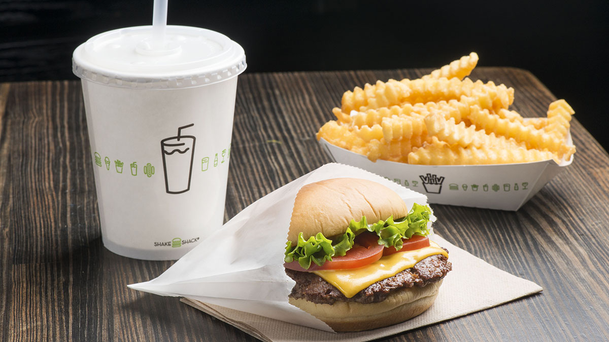 Shake Shack is opening in San Diego next month but, first, the eatery will preview it burgers and fries with a pop-up session at Modern Times Beer on Sept. 16.