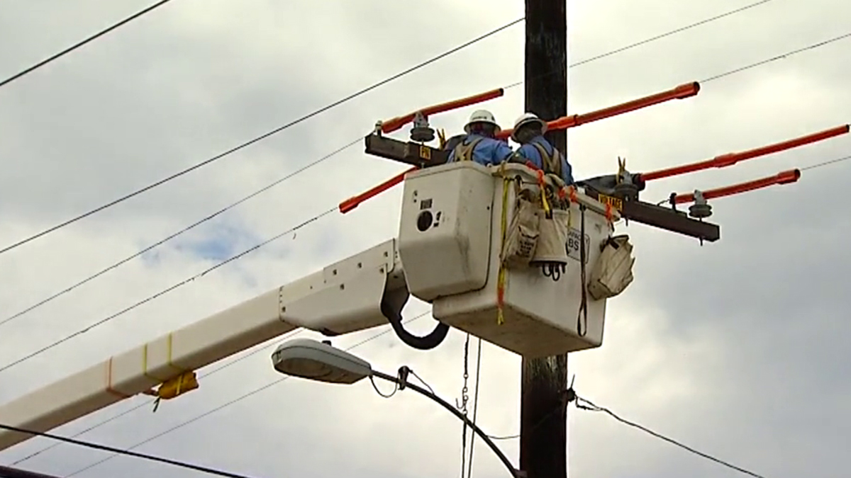 SDG&E crews are repairing power outages caused by lightning strikes overnight.
